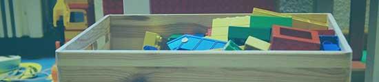 Ordnung im Kinderzimmer mit einer schönen Spielzeugbox von transportbox-kaufen.de